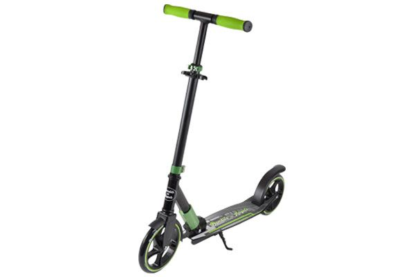 De Scooter Black Racer in de kleur groen.